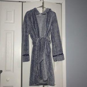 NWOT Motherhood Maternity Plush Robe